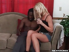Skinny white mom sucks black cock from knees tubes
