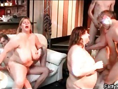 Flabby women sucking and fucking in bbw orgy tubes