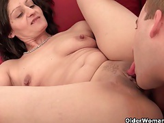 Mature housewife getting fucked on the couch tubes