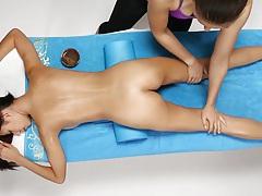 W4b sensual massage tubes