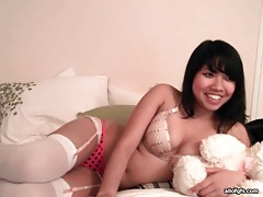 Big dildo fucks pussy of asian webcam girl tubes