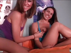 Lesbian cuties on top bunk fool around tubes