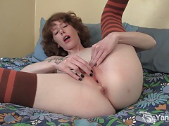 Pierced and tattooed staci fingering her pussy tubes
