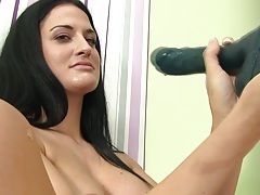 Sexy pee fetish babe plays with her clit tubes