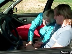 Car blowjob from blonde mature slut tubes