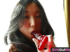 Girls out west - red dildo in an amateur asian cunt tubes
