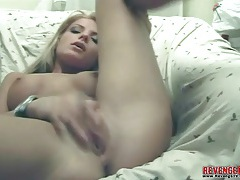 Hot body webcam chick masturbates bald pussy tubes