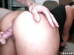 Kelsi monroe doggystyle with a facial tubes