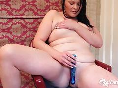 Brunette bbw lexus toy her quim tubes