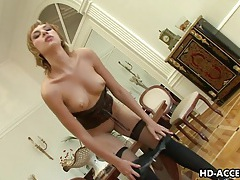 Horny laura gives a brilliant pov blowjob tubes