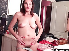 Soccer mom with hairy pussy masturbates in pantyhose tubes