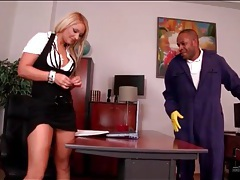 Black janitor blown by blonde secretary tubes