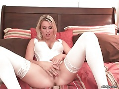 Big tits in white corset are sexy on this chick tubes