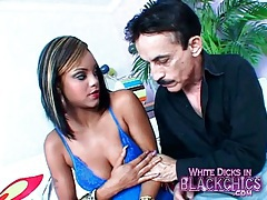 Young black girl in lipstick sucks big cock tubes