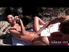 Outdoor lesbian sex in the desert tubes