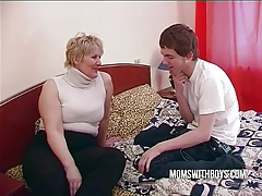Bbw mature mom seduces sons friend tube