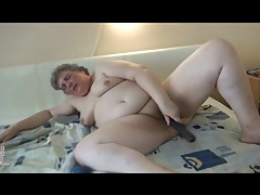 Fat solo mature fucks long stick into cunt tubes