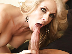 Blonde milf loves to suck cock tubes