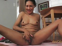 Black amateur carmen strips and shakes that ass tubes