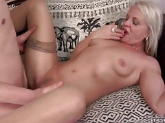 Stiff young dick fucks blonde mature in close up tubes
