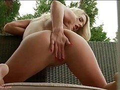 Long fingernails on masturbating blonde girl tubes