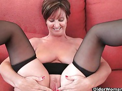 Gorgeous granny with big tits shows her fuckable body tubes
