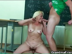 Teacher and her students have a threesome tubes