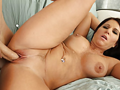 Curvy brunette milf sex tubes