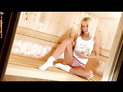 Teen pleasures her pussy in the sauna tubes