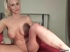 Blonde webcam babe with big tits masturbates tubes