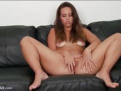 Kelsi monroe models and pleasures her cunt tubes