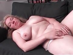 Curvy solo mature masturbates her cunt tubes