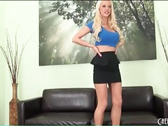 Leggy bimbo courtney taylor is sexy tubes