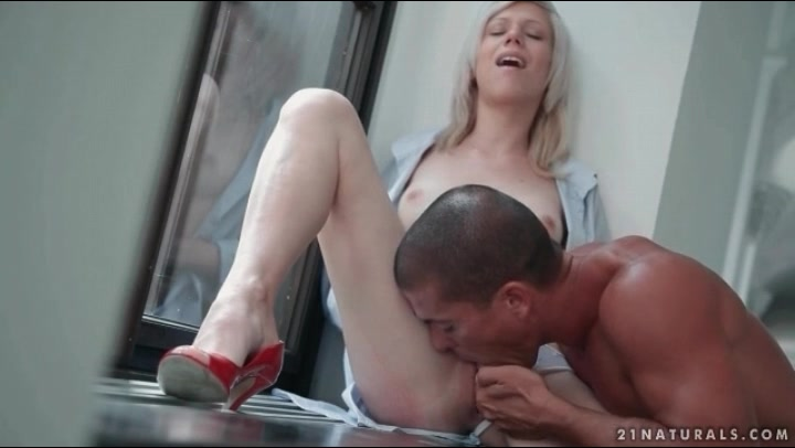 Cute blonde beauty sucks a big cock tubes
