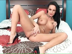 Alektra blue masturbates in shiny high heels tubes