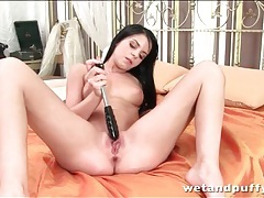 Solo jessica swan penetrates her asshole tubes