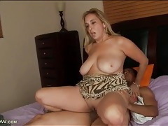 Big bouncy natural titties on fucked milf tubes
