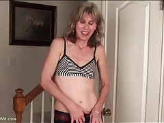 Housewife models small tits and sexy pussy tubes