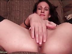 Saggy tits mature in stockings masturbates tubes