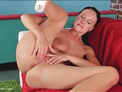 Big booty milf masturbates her hot pussy tubes