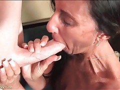 Cougar sucks a dick and has hot sex tubes