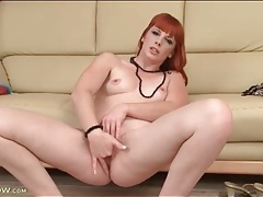 Sexy solo redhead milf fingers pink pussy tubes
