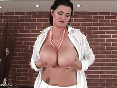 Cute and curvy mature in sexy striptease porn tubes