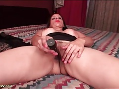 Masturbating milf has anal fingering fun tubes