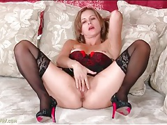 Sultry beauty in full lingerie set video tubes