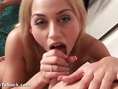 Blonde puts on lip gloss and sucks a dick tubes