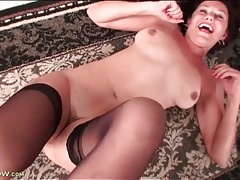 Hairy milf on her back modeling pussy tubes