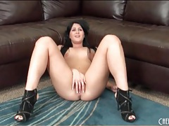 Crissy cums on her back masturbating tubes