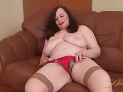 Bbw fingers her hot box like a naughty slut tubes