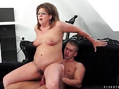 Curvy mature in sexy glasses fucked hardcore tubes